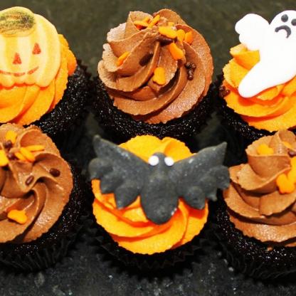 Halloween petite cupcakes