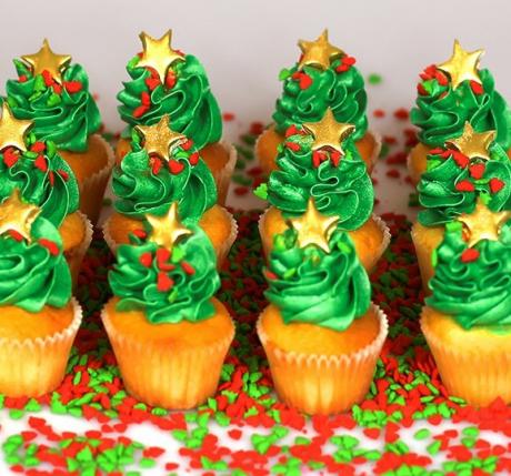 Christmas Petite Cupcakes 12 pack